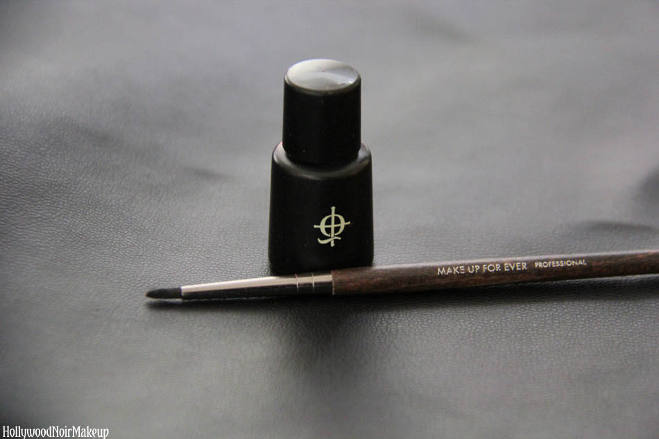 Illamasqua Sealing Gel With Make Up For Ever's Professional Eye Liner Brush